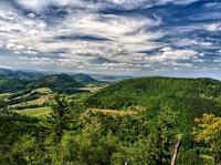Widok z Kostrzyny na Bukowiec898m a po lewej widoczny Stożek Wielki