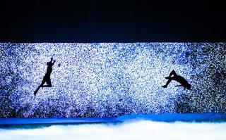 Kto zobaczy spektakl taneczny Red Bull Flying Illusion?